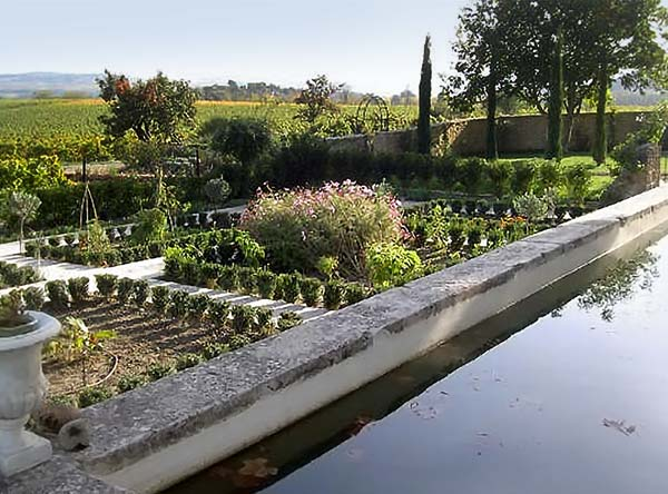 Provence potager to provide fruits and vegetables