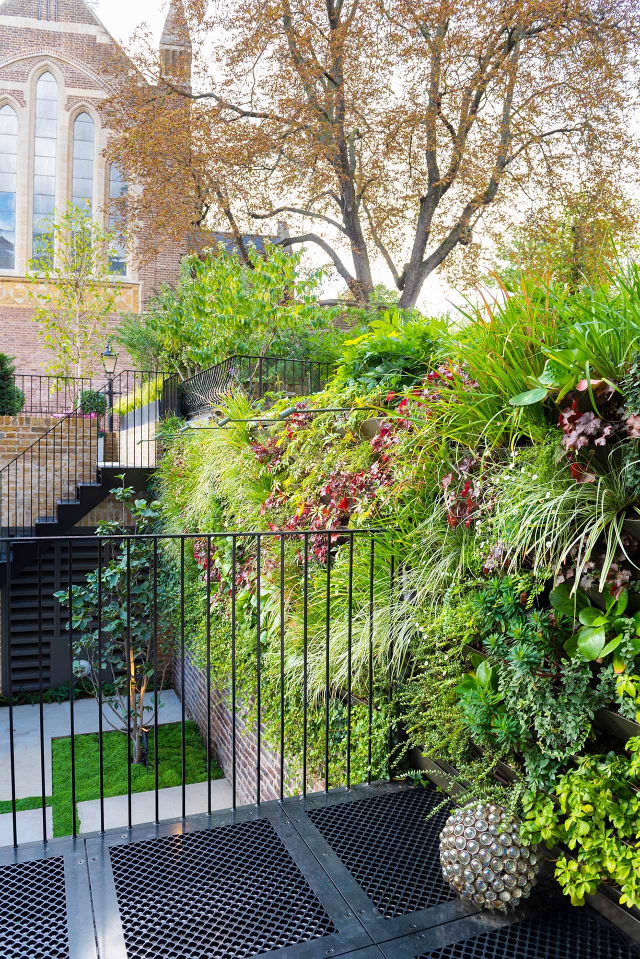 Knightsbridge minimalist garden detail