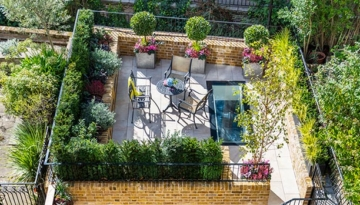 Knightsbridge minimalist garden above swimming pool by Maïtanne Hunt